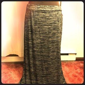 Gray and White Maxi Skirt w/Side Slit